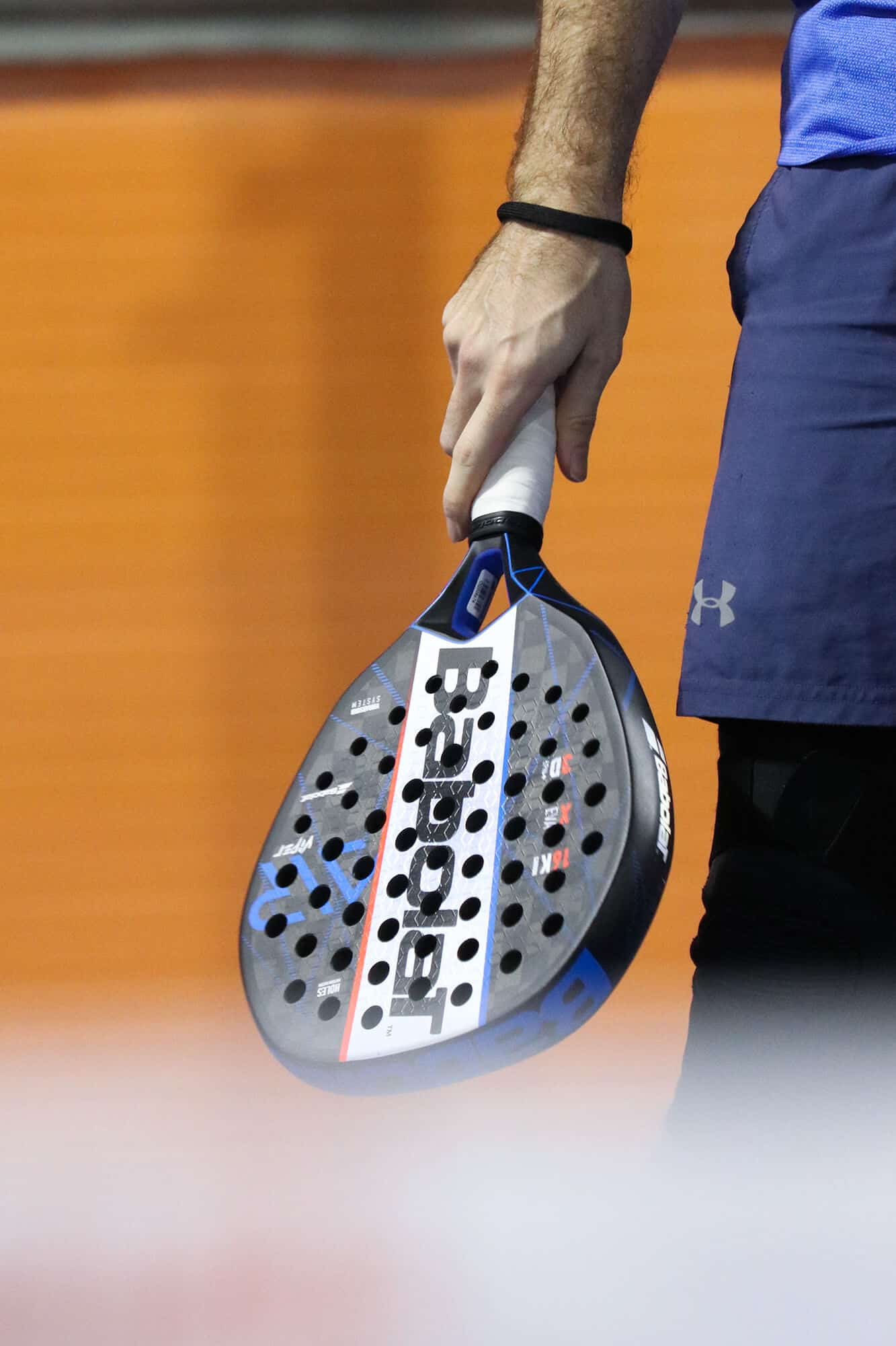 Padel free images - player with a racket